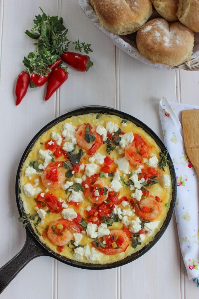 Frittata z krewetkami, papryka i pomidorami 2