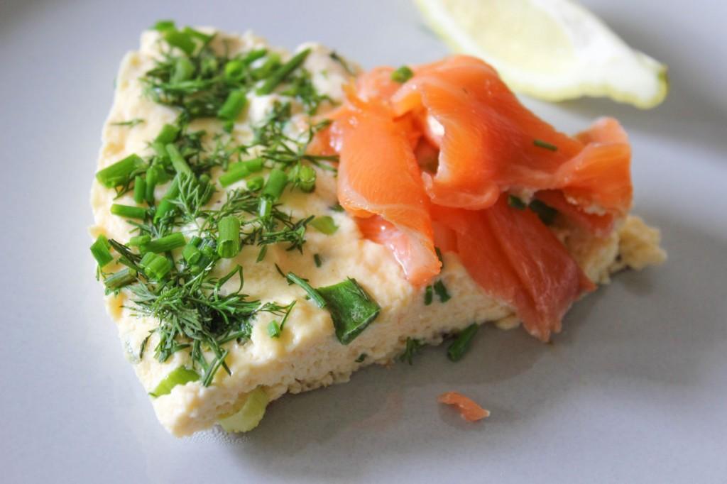 Frittata z wędzonym łososiem 3
