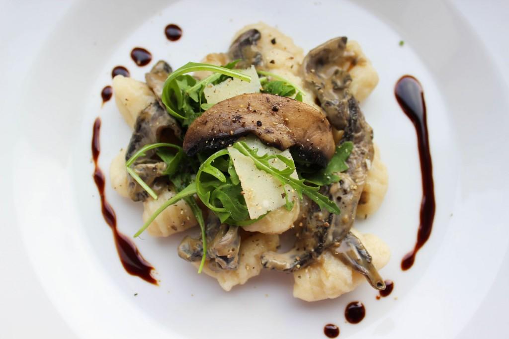 Gnocchi z grzybami portobello w śmietanowym sosie balsamico 1