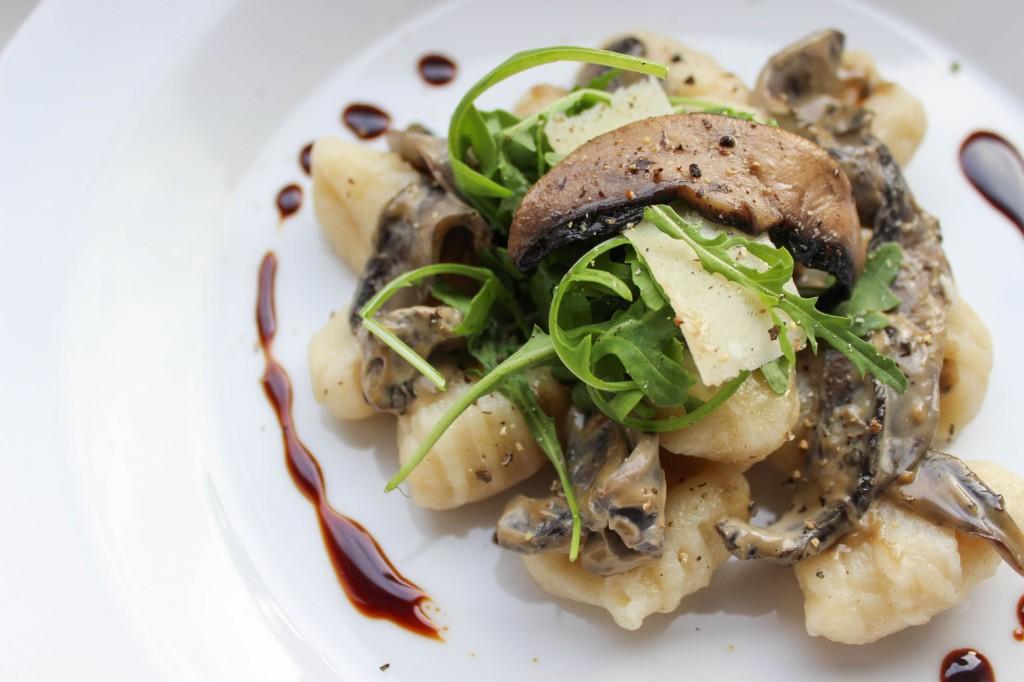 Gnocchi z grzybami portobello w śmietanowym sosie balsamico 2