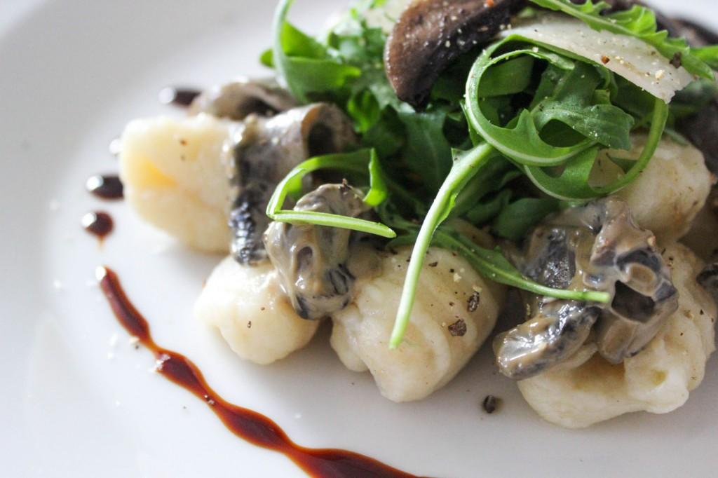 Gnocchi z grzybami portobello w śmietanowym sosie balsamico 3