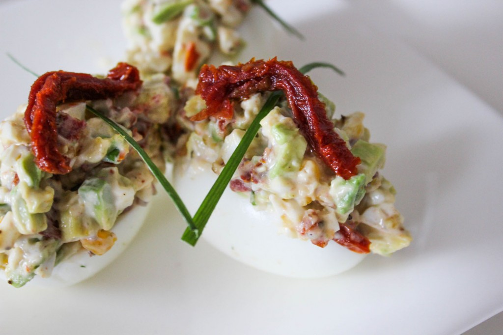Jajka nadziewane awokado 2