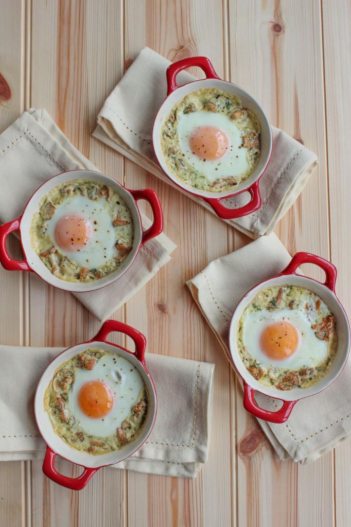 Jajka zapiekane z kurkami 2