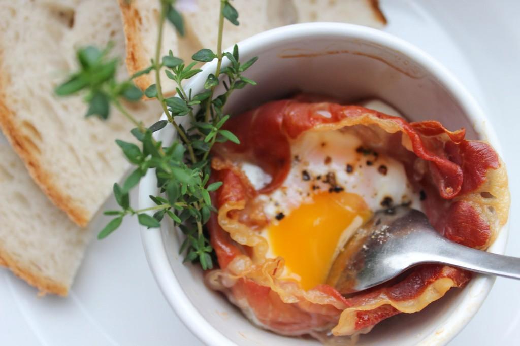 Jajko w koszyczkach z szynki parmeńskiej 3