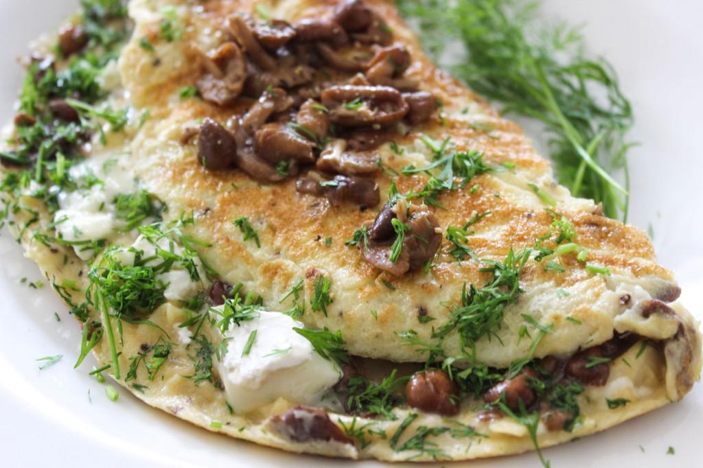 Omlet z grzybkami i koperkiem 1