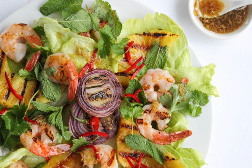 Salatka z krewetkami i ananasem 1