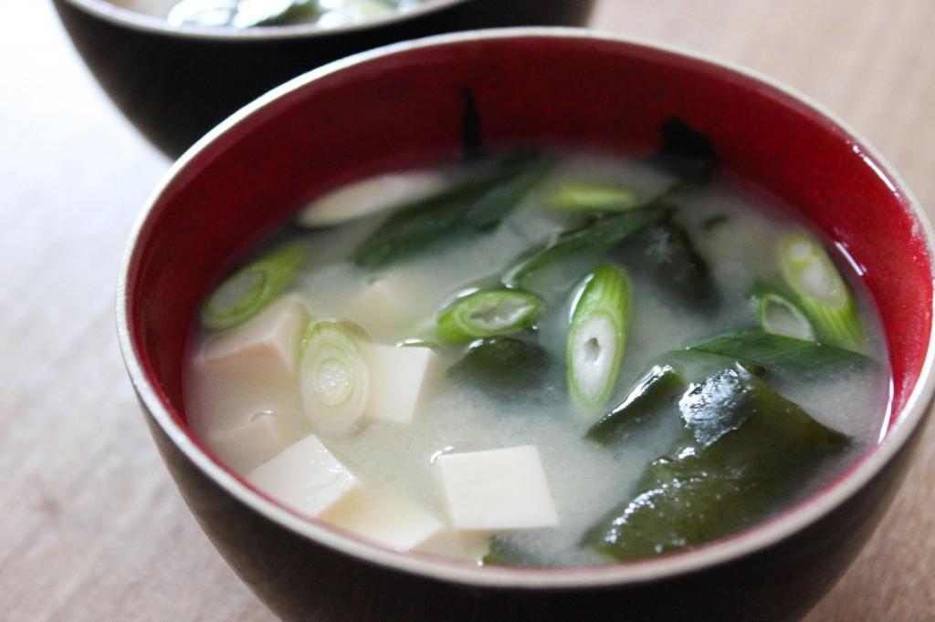 Zupa miso z glonami wakame 3