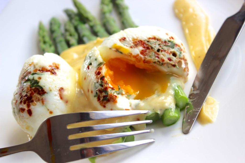 Jajka  koszulce na szparagach 1