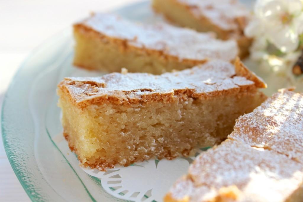 Ciasto migdałowe z białą czekoladą 1