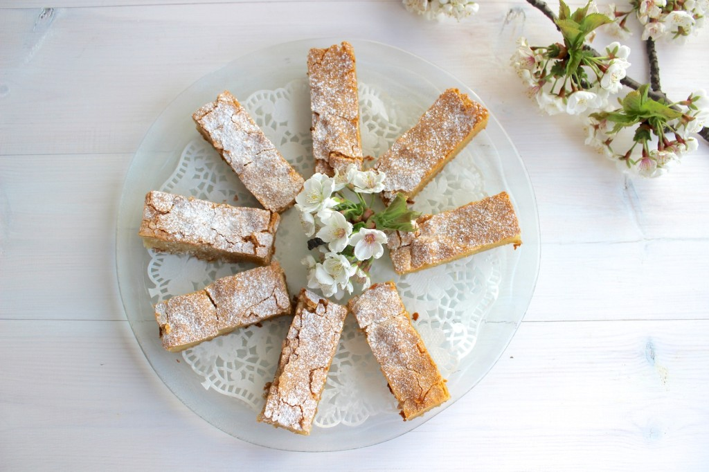 Ciasto migdałowe z białą czekoladą 2