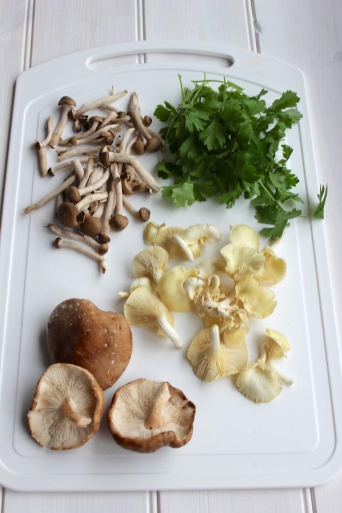 Makaron z grzybami i miso 3