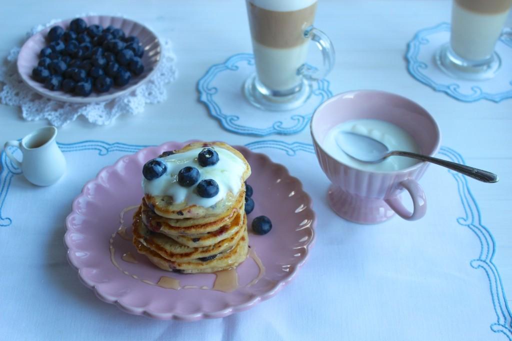 Pancakes z ricotty z jagodami 1