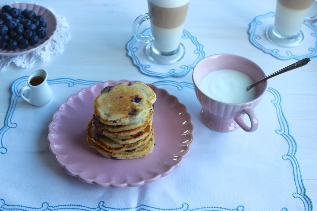 Pancakes z ricotty z jagodami 2