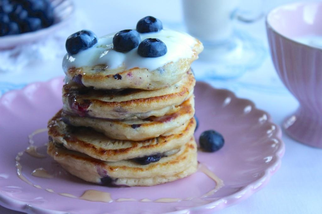Pancakes z ricotty z jagodami 3