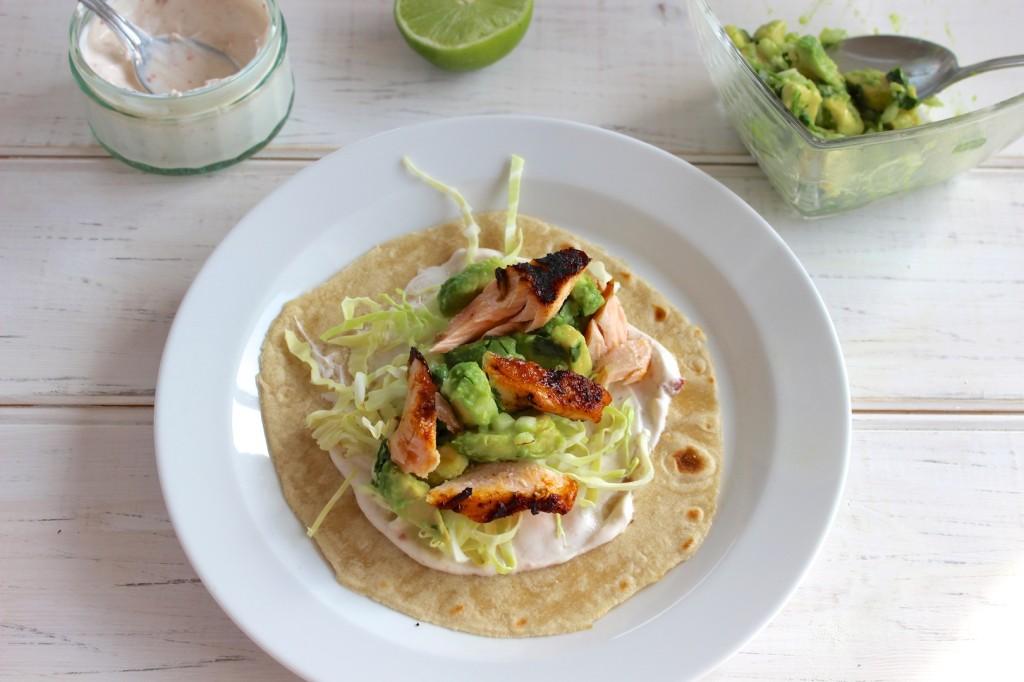 Taco z grillowanym łososiem i guacamole 4