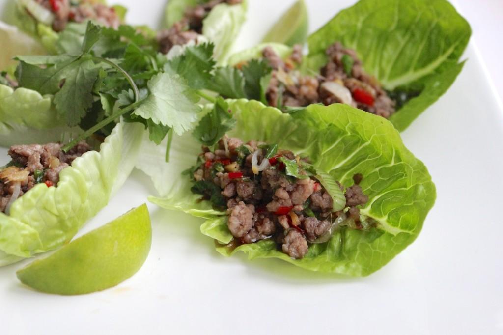 Aromatyczne mięso w łódeczkach z sałaty 1