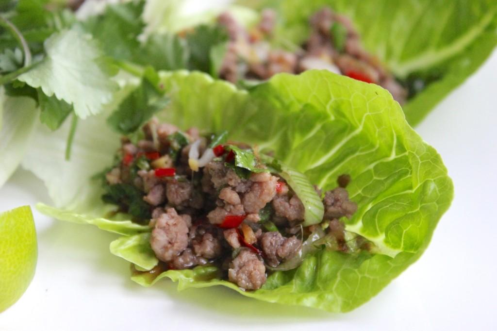 Aromatyczne mięso w łódeczkach z sałaty 3