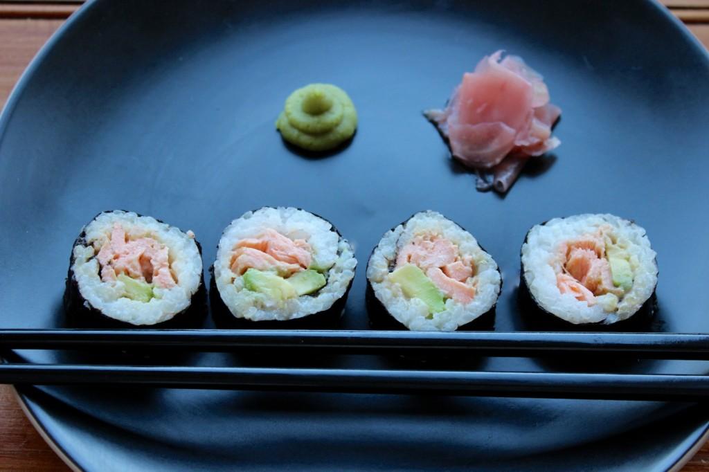 Sushi z pieczonym łososiem 2