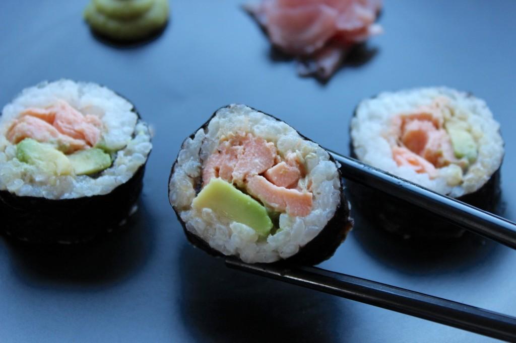 Sushi z pieczonym łososiem 3