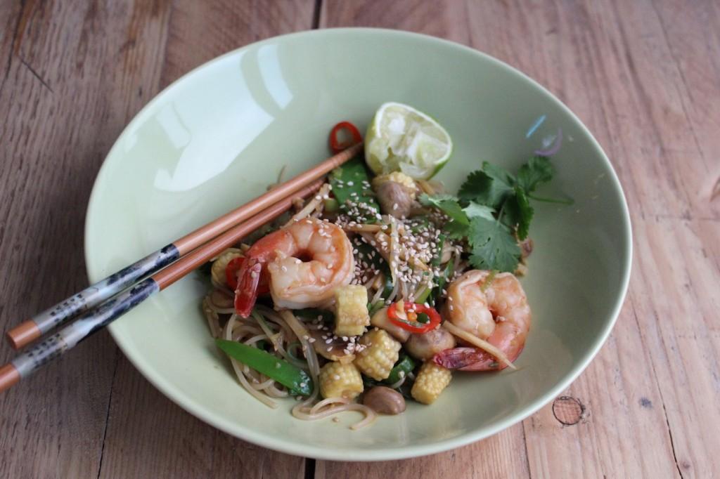 Stir-fry z makaronem ryżowym 1