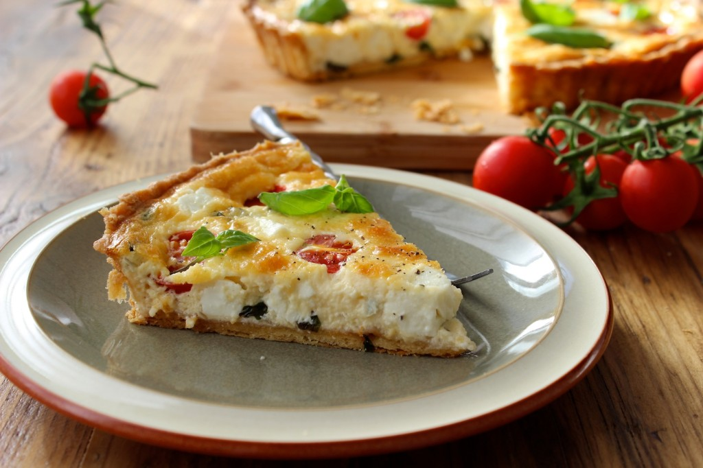 Tarta z fetą i pomidorkami cherry 4