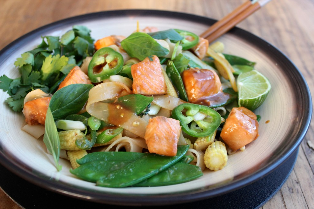Stir-fry z łososiem w sosie miso 2