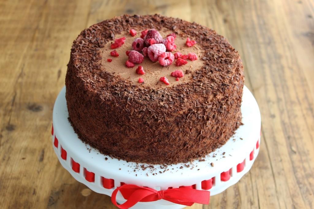 Tort czekoladowo-malinowy 1