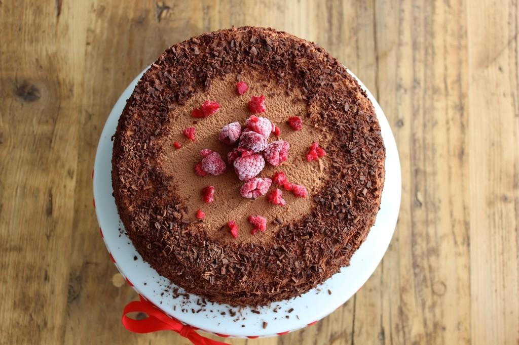 Tort czekoladowo-malinowy 2
