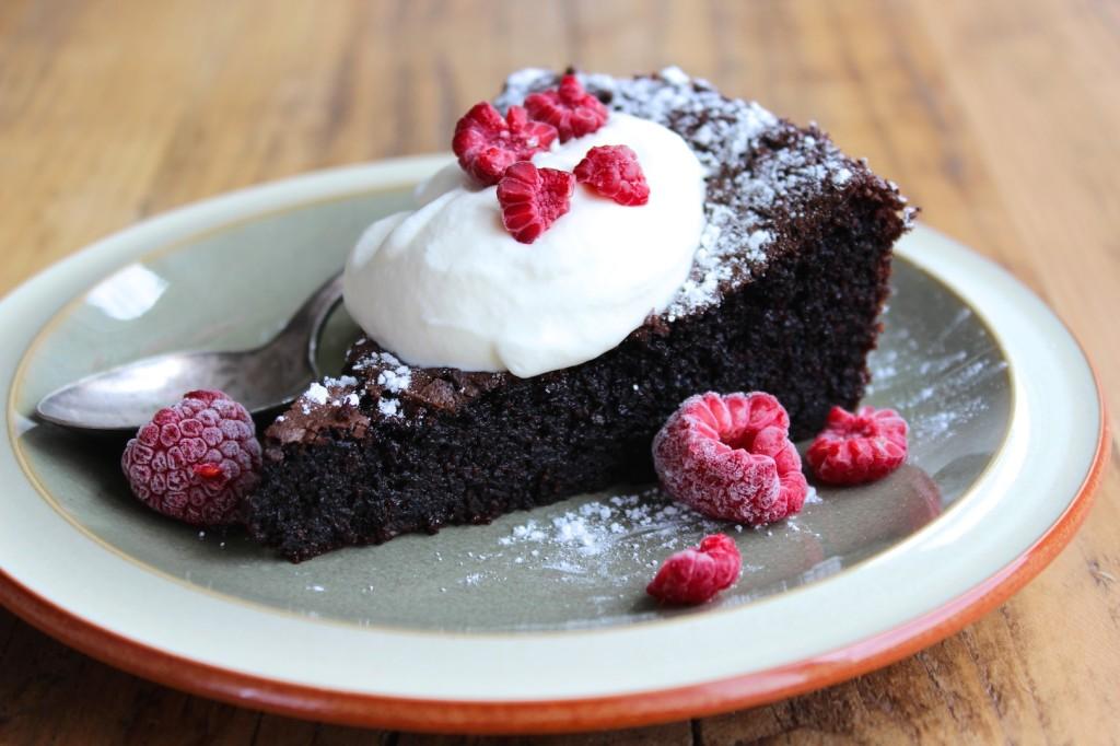 Ciasto czekoladowe na oliwie i mielonych migdałach 1