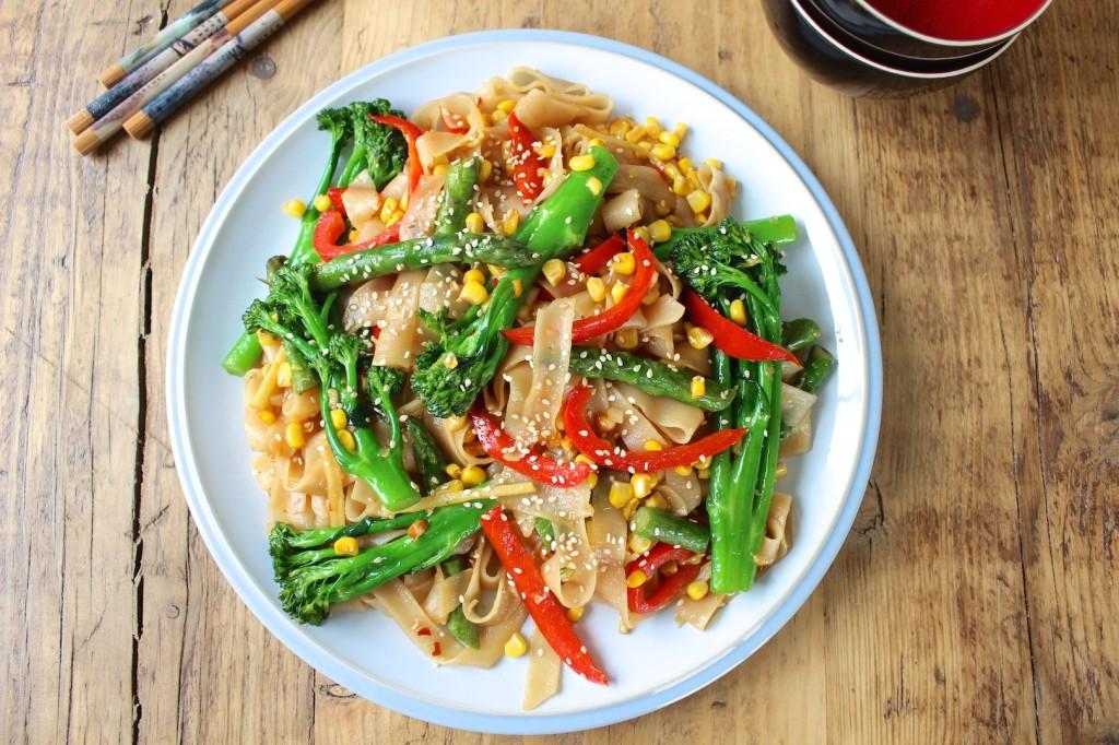 Makaron smażony z warzywami 2