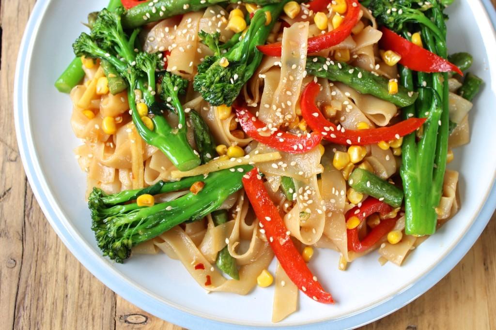 Makaron smażony z warzywami 3
