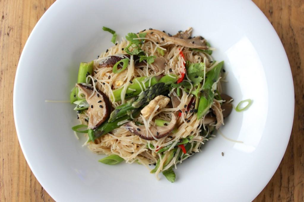 Makaron z grzybami i szparagami 1