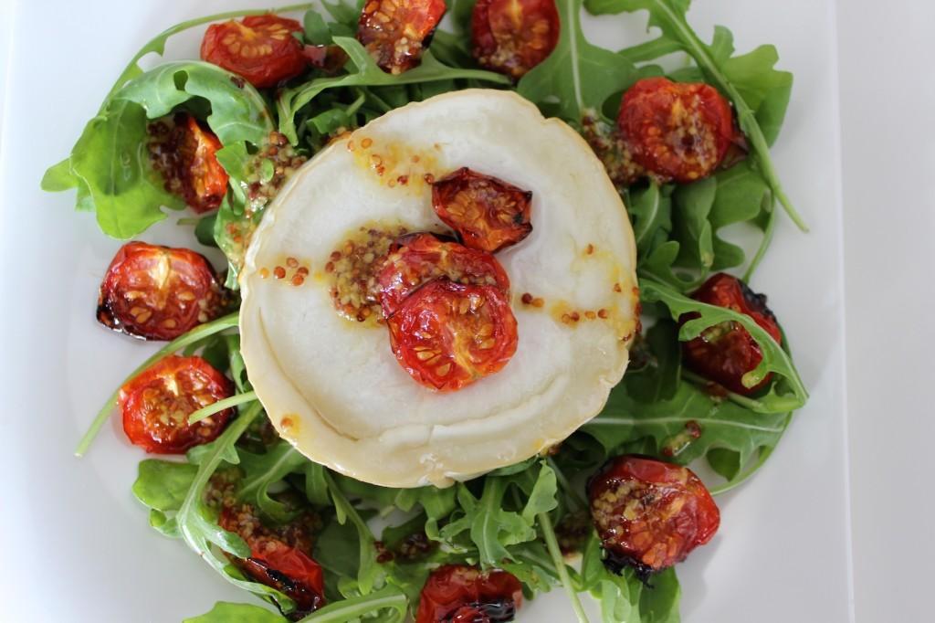 Sałatka z serem kozim i pieczonymi pomidorkami 2