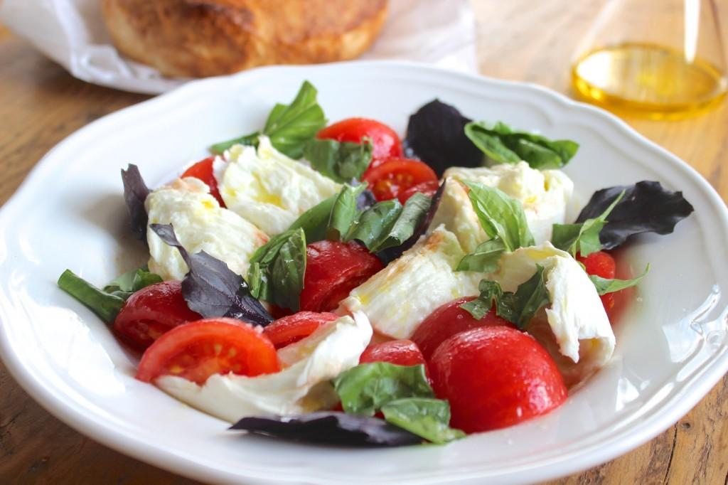 Caprese – Mozzarella z pomidorami 2