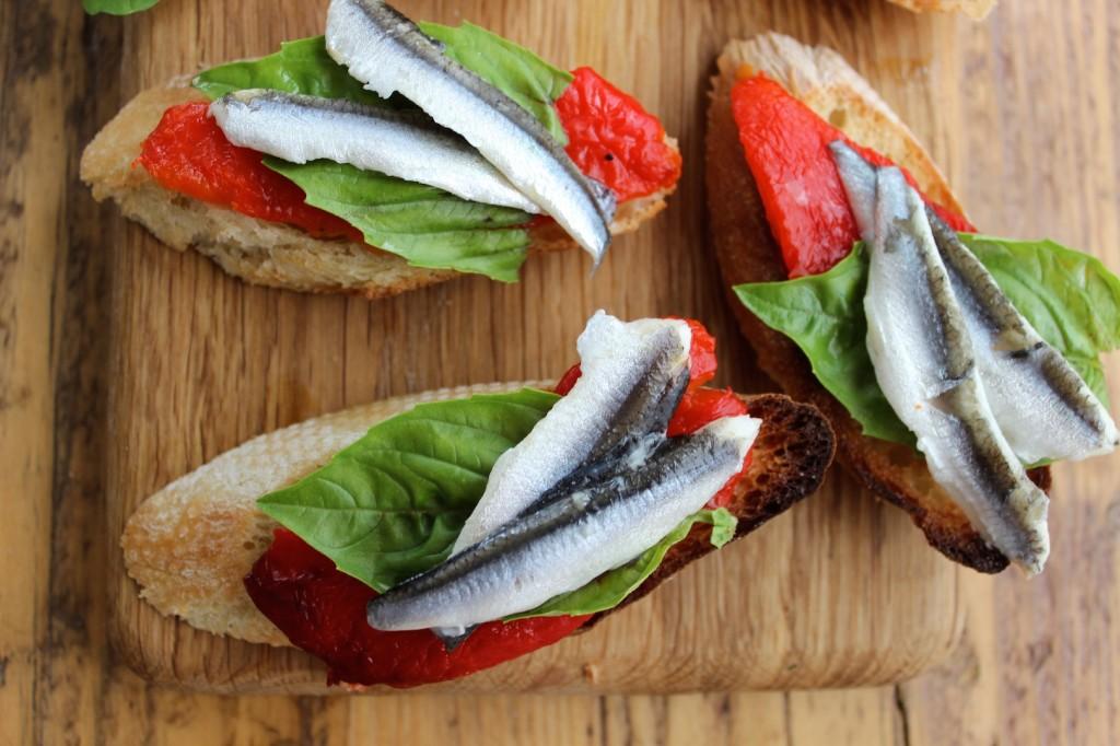 Crostini z pieczoną papryką i anchois 2