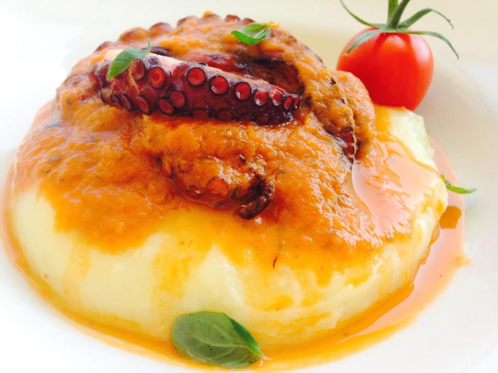 Ośmiornica w sosie ze świeżych pomidorów 1