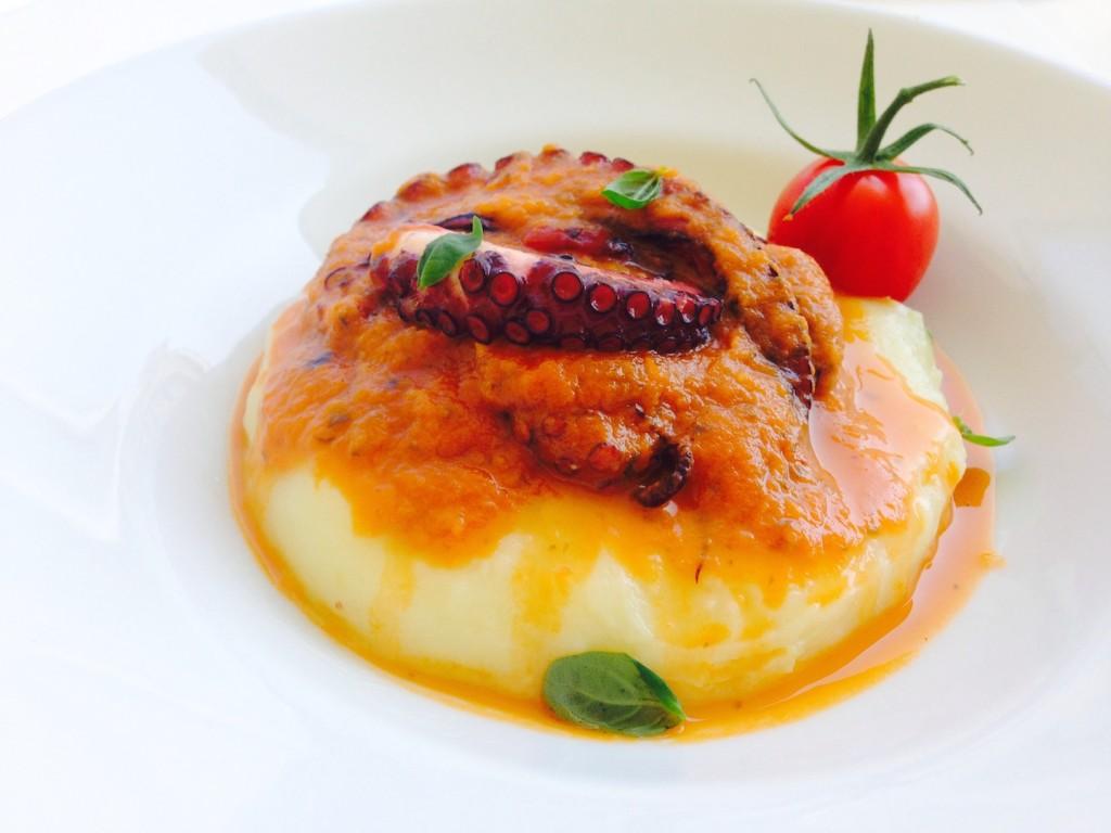 Ośmiornica w sosie ze świeżych pomidorów 2