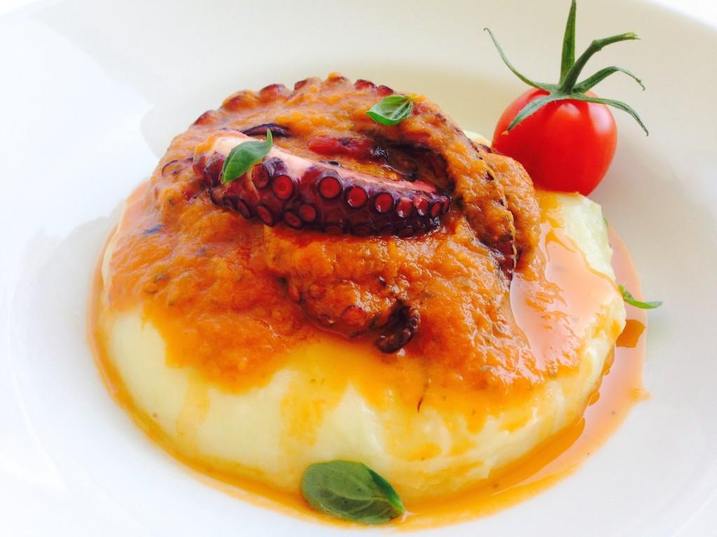 Ośmiornica w sosie ze świeżych pomidorów 3