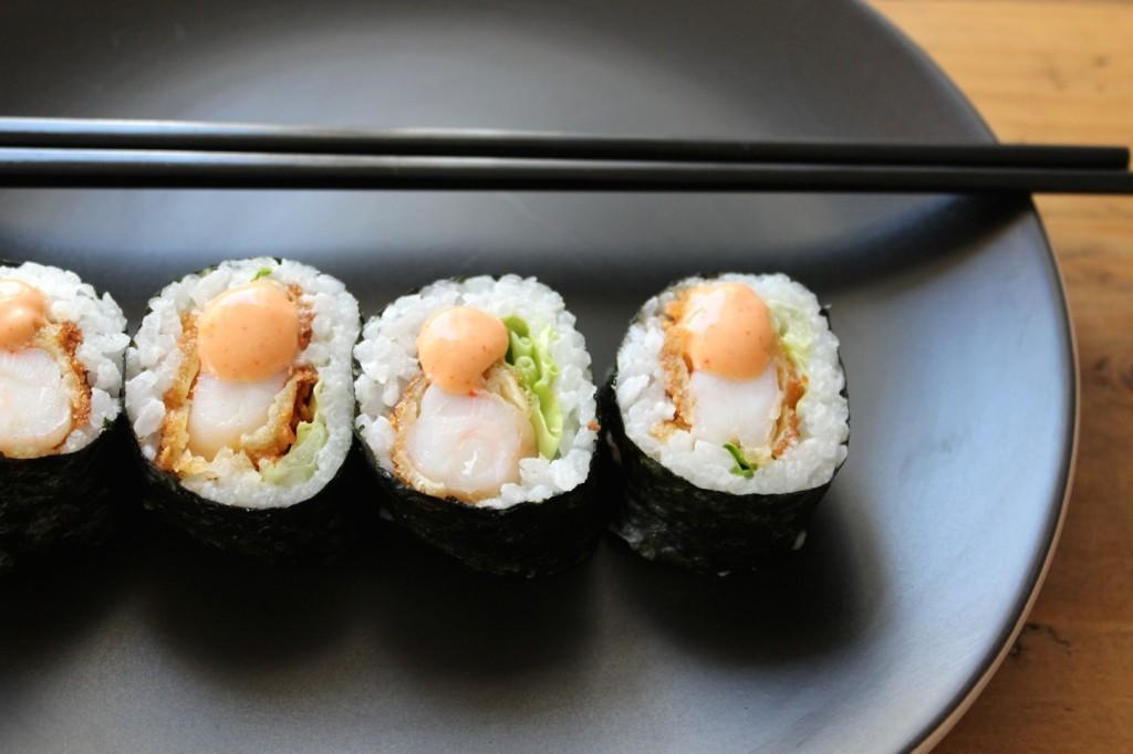 Sushi rolls z panierowanymi krewetkami 1