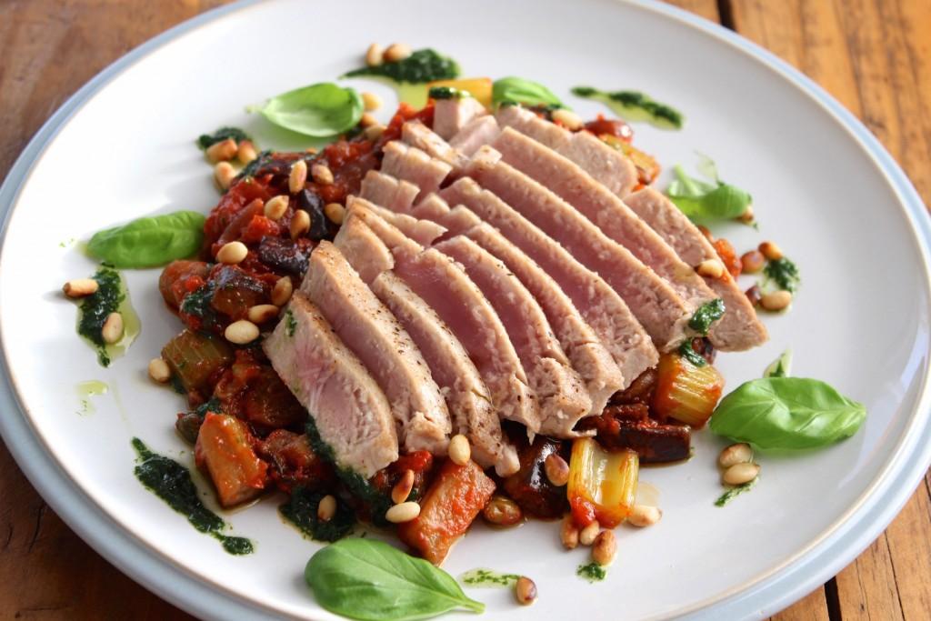 Stek z tuńczyka z caponatą 1