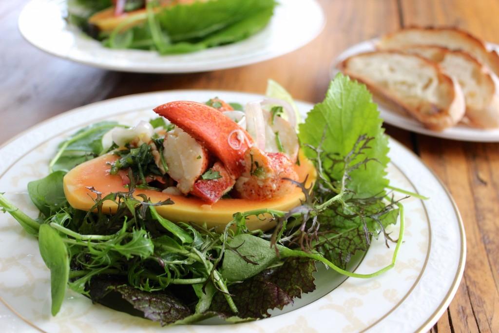 Sałatka z papają i homarem 1