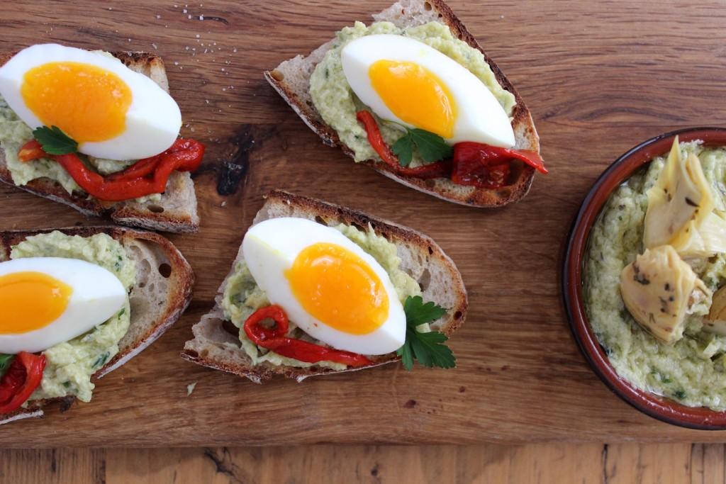 Kanapki z pâte z karczochów i jajkiem 3