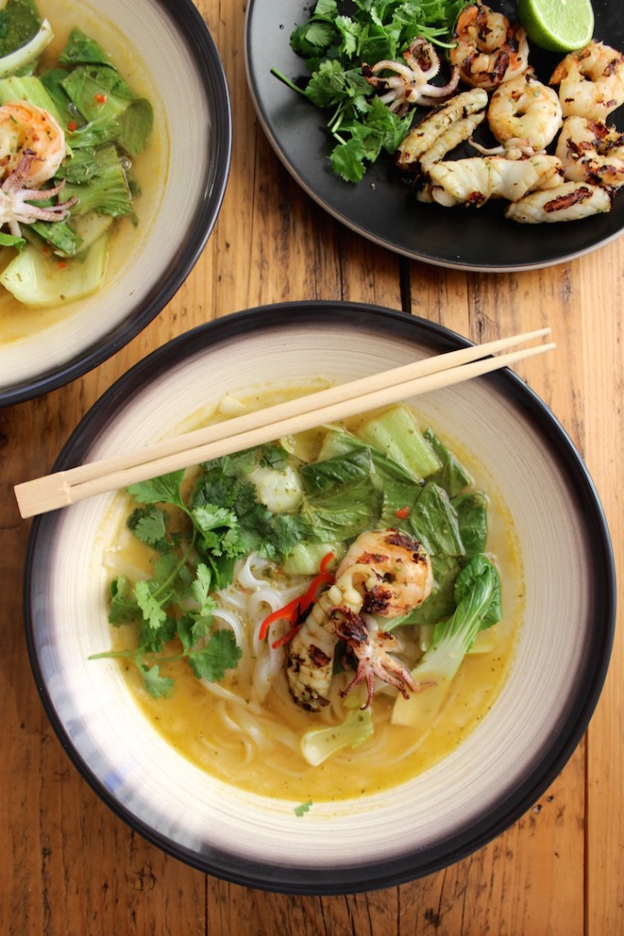 Tajska zupa z owocami morza 2