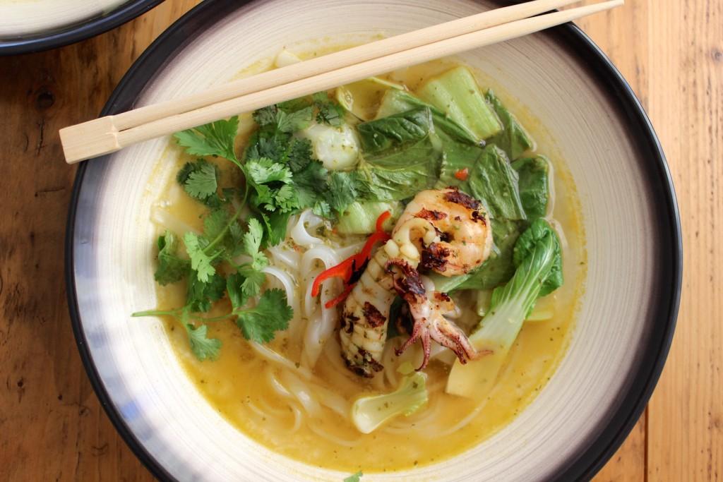 Tajska zupa z owocami morza 3