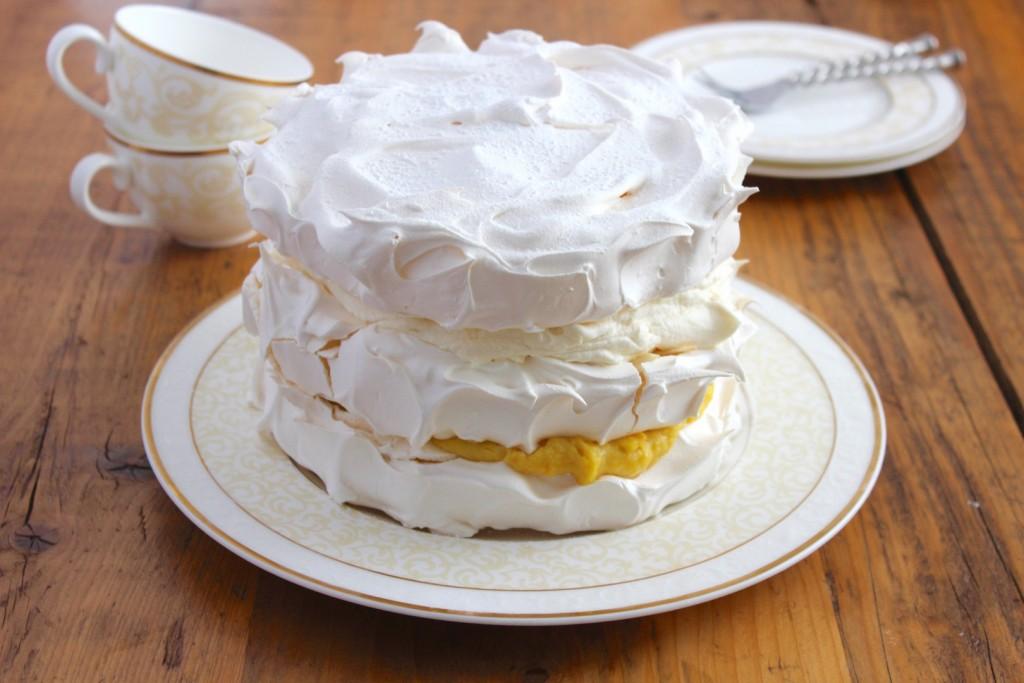 Tort bezowy pomarańczowo-migdałowy 1