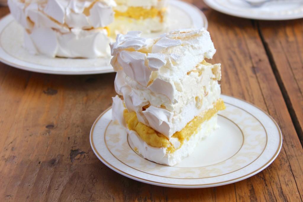 Tort bezowy pomarańczowo-migdałowy 4