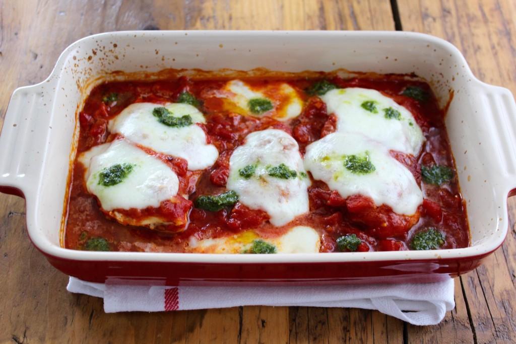 Kurczak zapiekany w sosie pomidorowym z mozzarellą 1