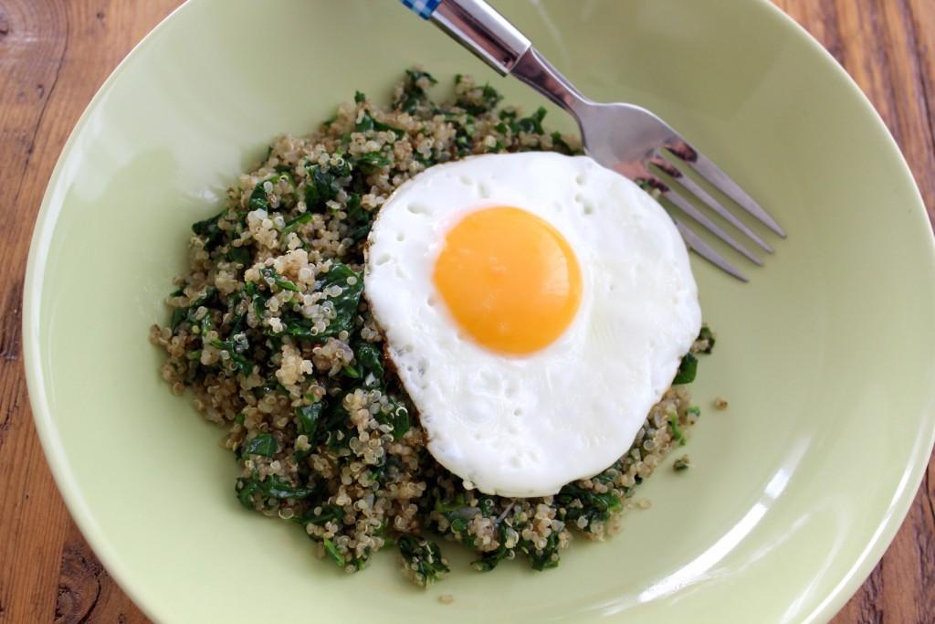 Quinoa ze szpinakiem i jajkiem 2