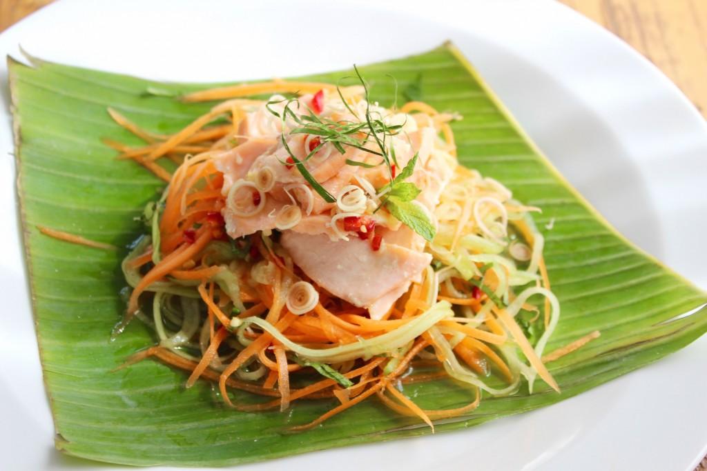 Wietnamska sałatka z łososiem 3