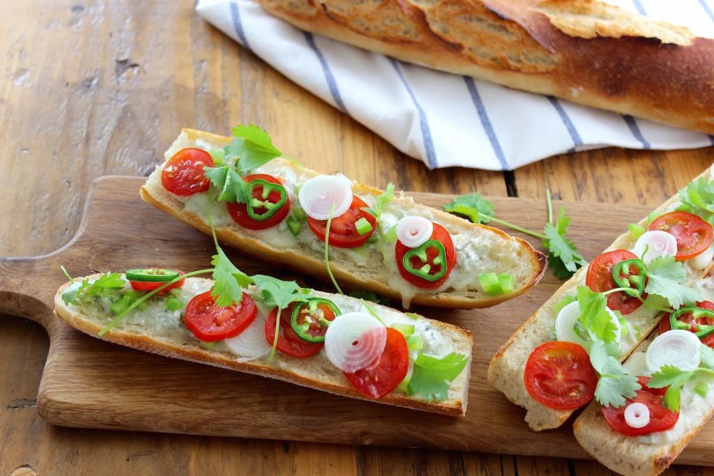 Zapiekanki z gorgonzolą i pomidorem 3